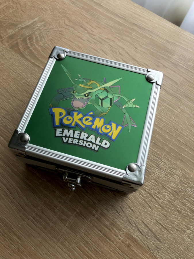 Gameboy Advance SP Emerald Rayquaza Metal Case