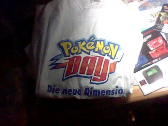 """Das diesjährige T-shirt mit dem Motto """"Die neue Dimension"""""""