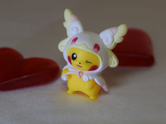17-002 Pika Valentine