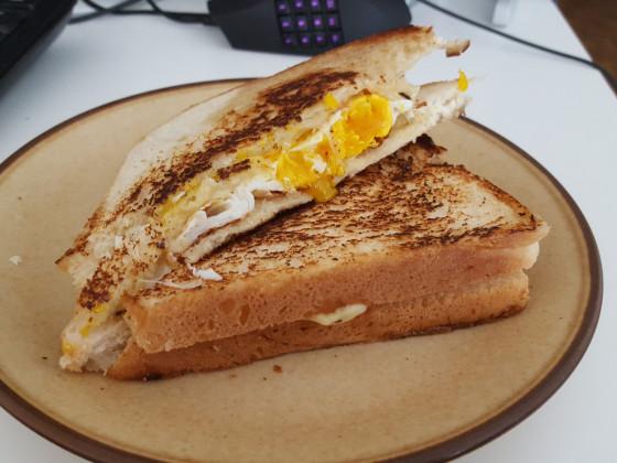 Lecker! (Eier-Käse Sandwich)