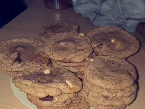 American Brownie Triple Chocolate Chip Hazelnut Cookies