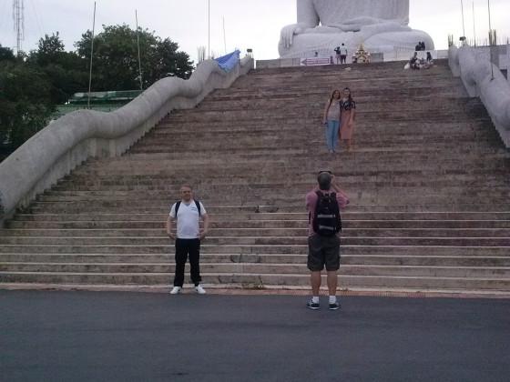 Penny vor´m Big Buddha in Phuket