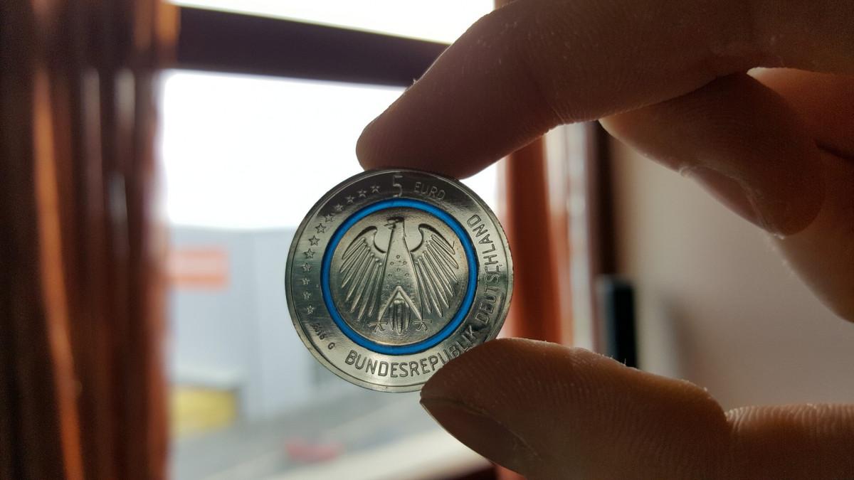 """5€ Münze """"Blauer Planet Erde"""""""