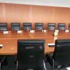 Sitzungssaal - Versammlungstisch