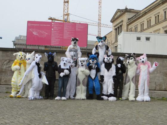 Fursuitwalk Berlin 02 Gruppenfoto