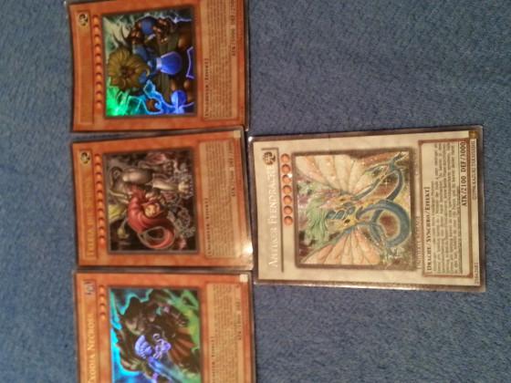4 meiner Yu-Gi-Oh Karten