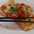 Einmal misslungenes Omelett mit Gemüse